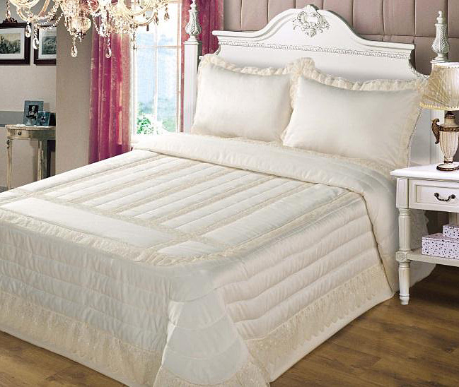 Superking Quilted Bedspreads From Linen Lace And Patchwork