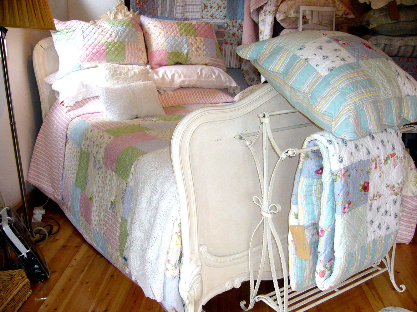 Patchwork quilts from Linen Lace and Patchwork, Essex. uk : double patchwork quilt - Adamdwight.com