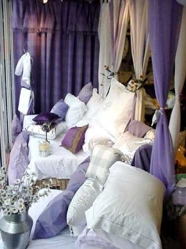 Showrooms At Linen Lace And Patchwork Bedspreads