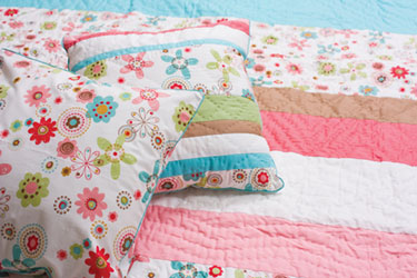 kathy childrens bedspread and cushion