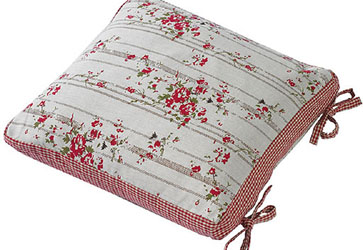 rose cottage cushion with ties