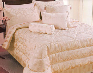 maison coral bedspread and matching bedding and curtains