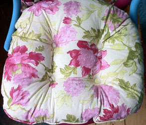 floral chintz chunky seat pad with ties